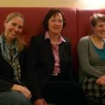 Die Bürgermeisterin von Herdecke Dr. Katja Strauss-Köster, die langjährige Bundestagsabgeordnete Irmingard Schewe-Gerigk sowie Verena Schäffer MdL am Rande der Diskussion