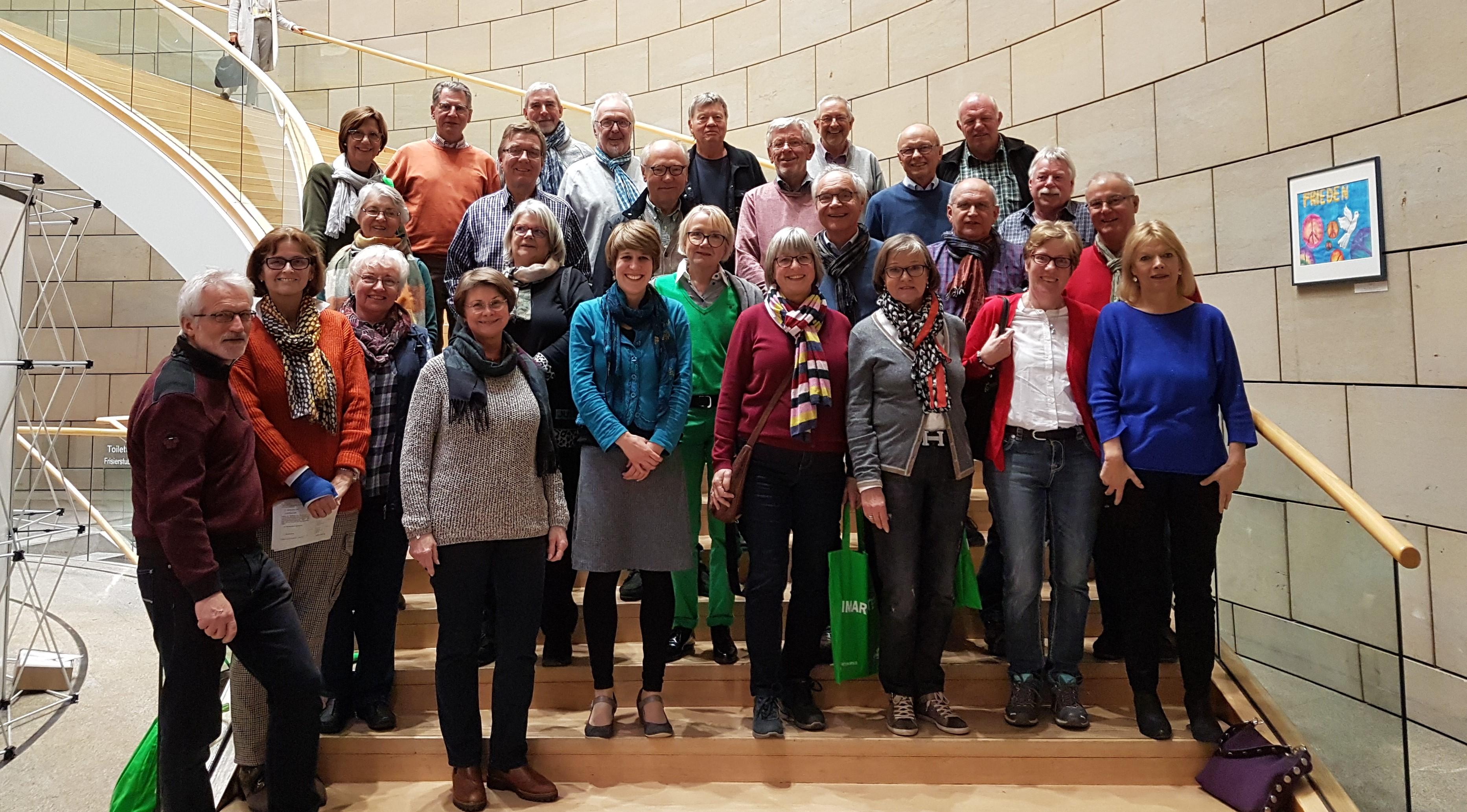 ZWAR-Gruppe Herdecke besucht Verena Schäffer im Landtag